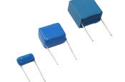 Capacitores Poliester